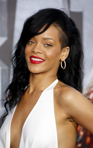 Rihanna(1)
