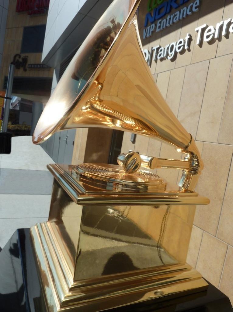 Grammy Statue(1)