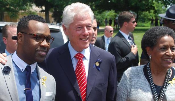 VaShawn Mitchell,President Bill Clinton, Mrs Myrtle Evers-Williams