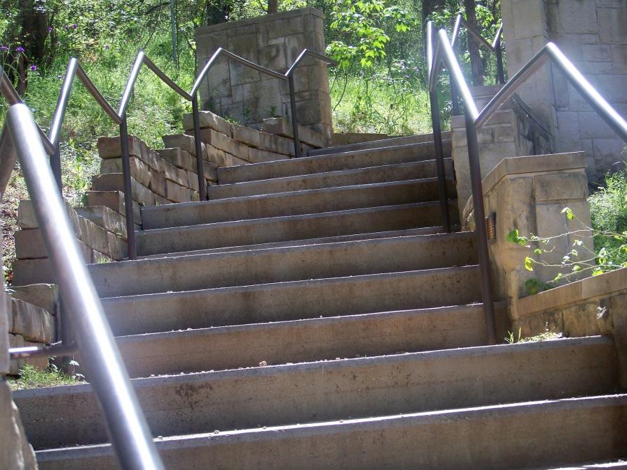 Stairwell 100_3122