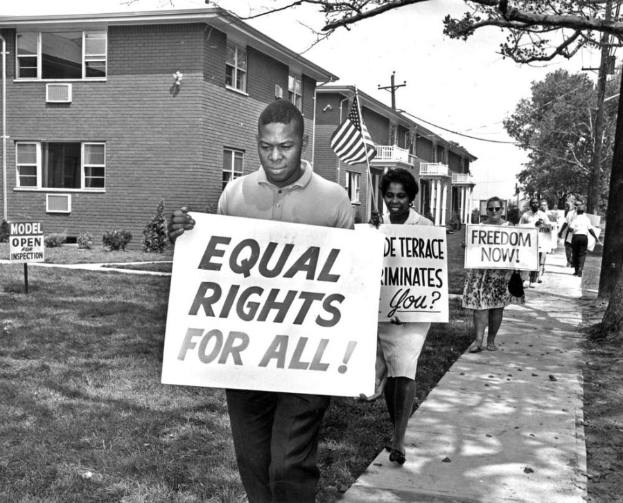 60's protest 411918_orig